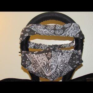 Bandana print face mask set w/disposable filters